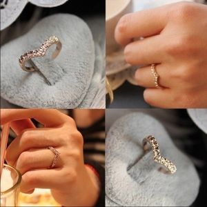 Jewelry - Heart Shaped Crystal Ring